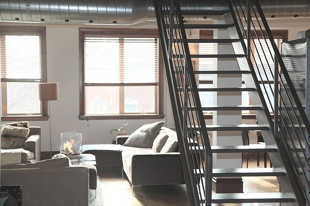 Wilgoć w mieszkaniu – jak sobie z nią poradzić?