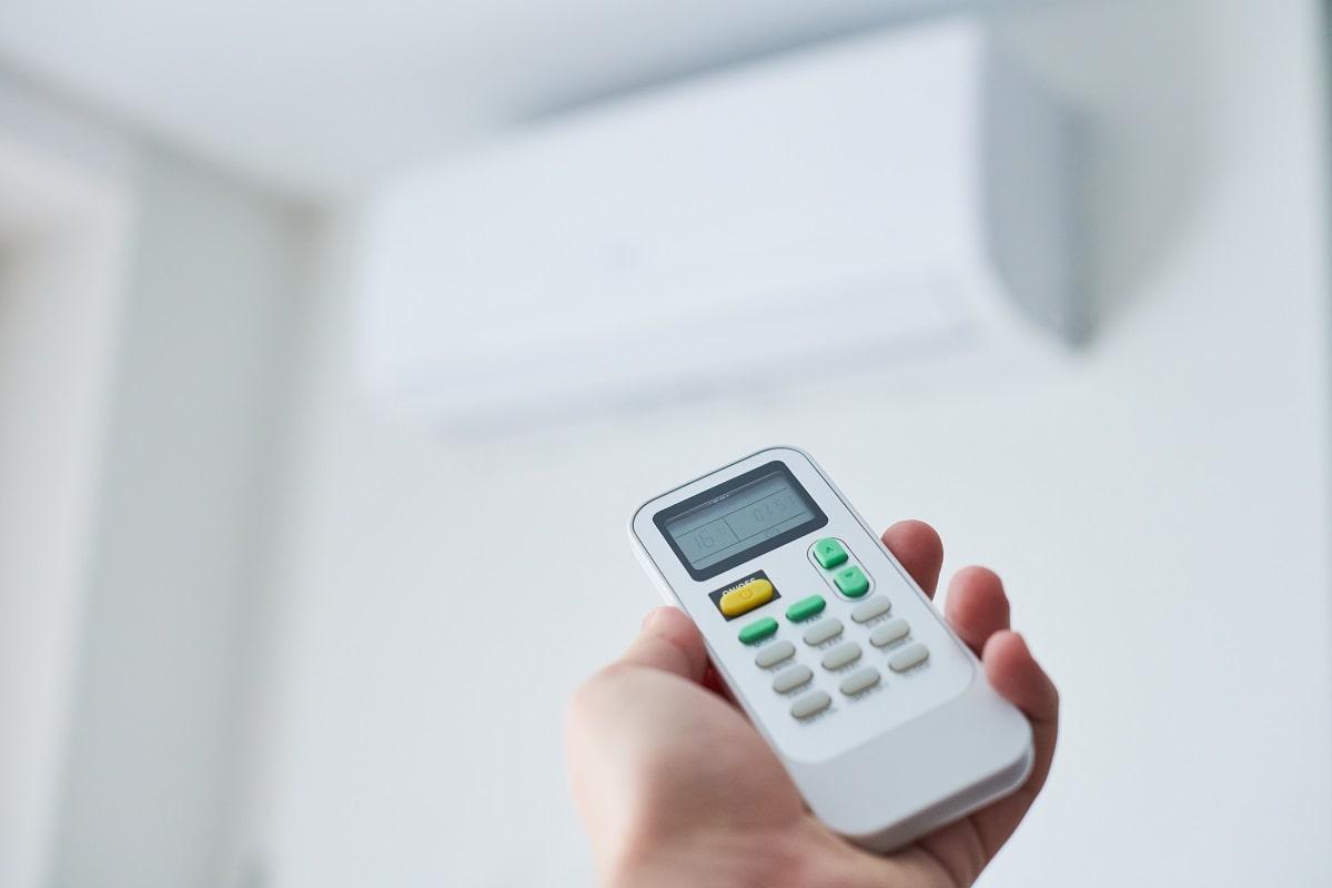 Klimatyzacja w biurze – jak ją ustawić i na ile stopni?